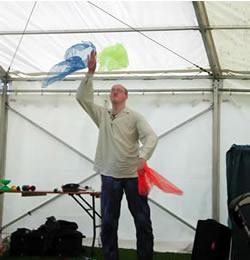 Steve Scarf Juggling